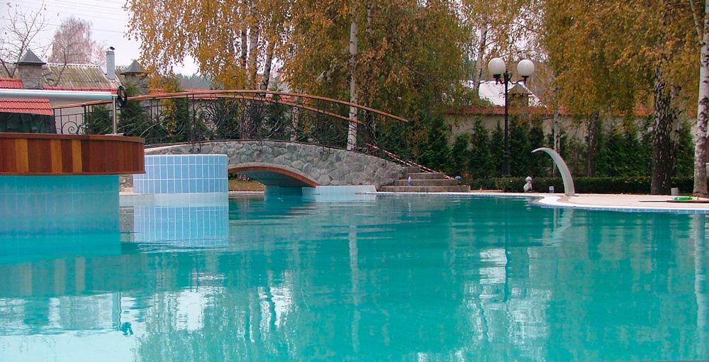 Частный бассейн в с. Старые Петровцы