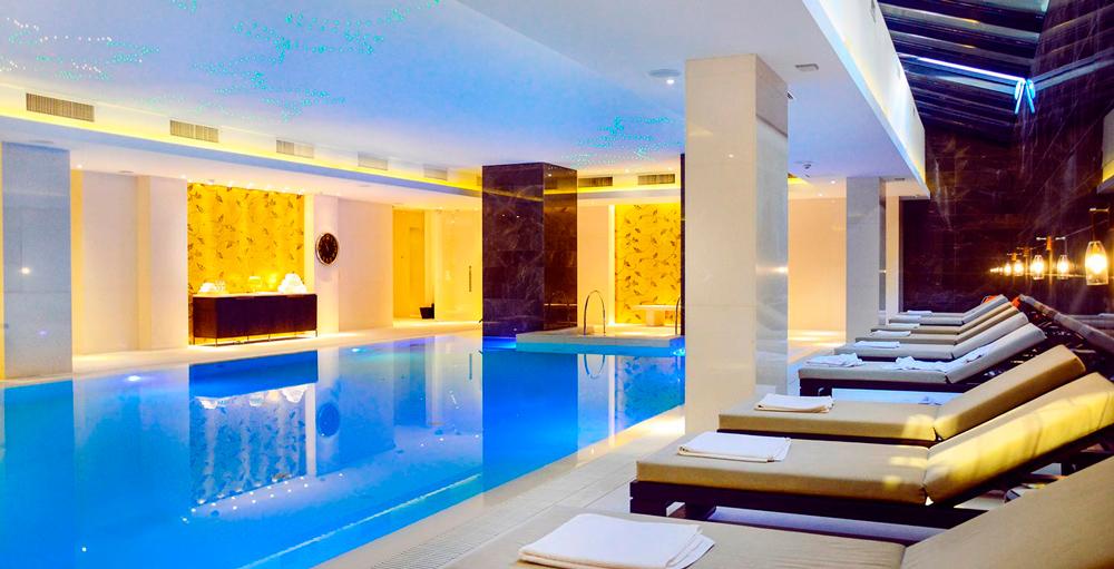 Фітнес-клуб готеля Hilton